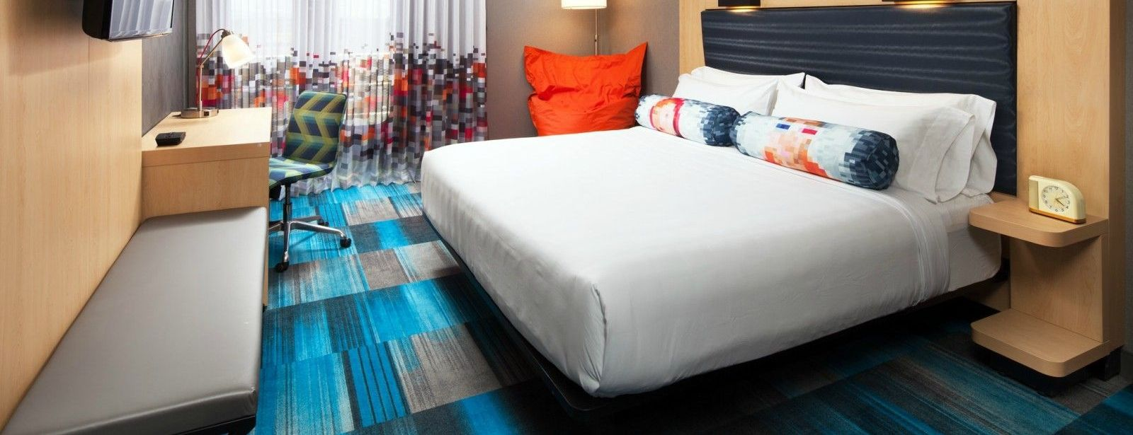 Aloft room - king beds